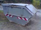 Container mit abschließbarem Deckel