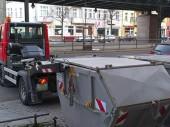 Container für schmale Wege und enge Einfahrten
